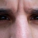 Hur får man en mindre näsa