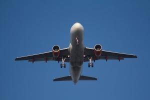 Hur hittar man billiga flygbiljetter